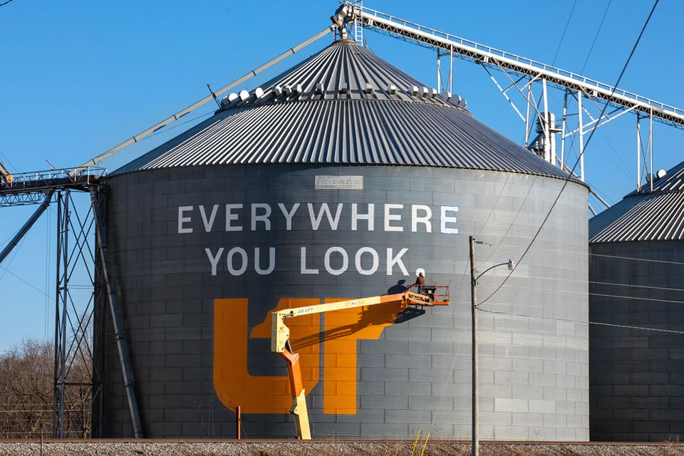 grain bin sign painting